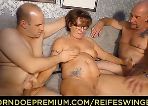 REIFE SWINGER - Chubby German granny sucks and fucks two cocks in naughty troika