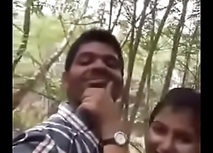 Cute Indian lover having sex on tap park