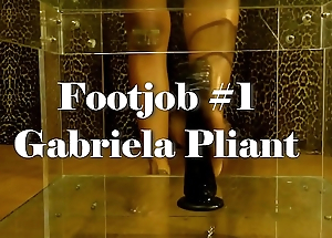 Footjob by Gabriela Pliant