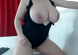 Amazing huge tits woman free live show