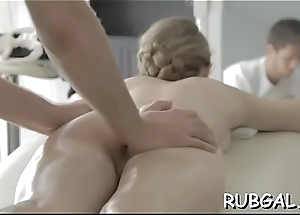 Hawt playgirl receives a passionate radiate as her fuckmate