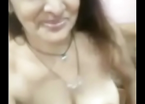 Gujrati married milf feeling horny nd taking meagre selfie AUDIO ADEED